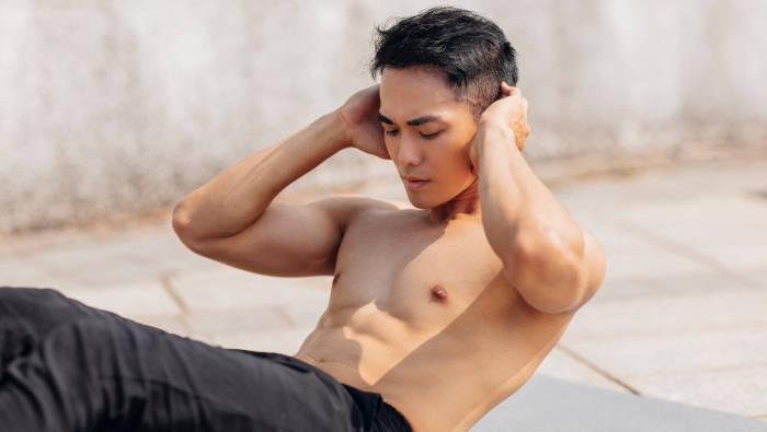Bauchmuskeltraining mit Crunches