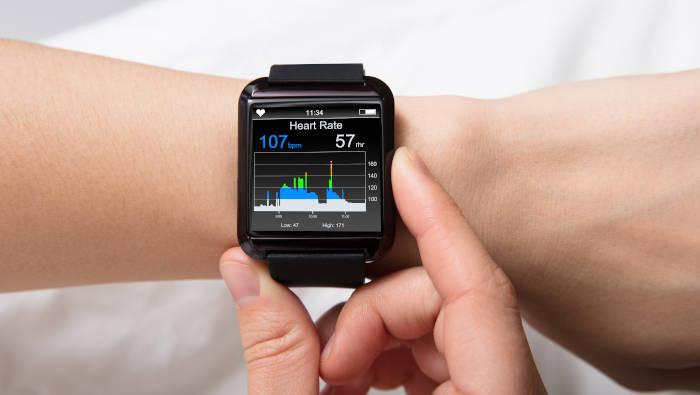 Smart Watch- Fitnessuhr zur elektronischen Selbstkontrolle
